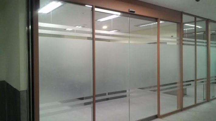 cửa kính trượt tự động