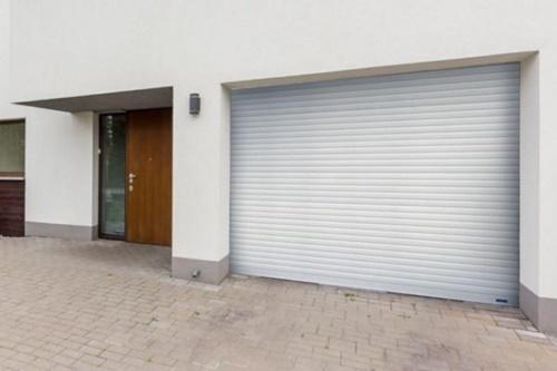 cửa cuốn chống trộm
