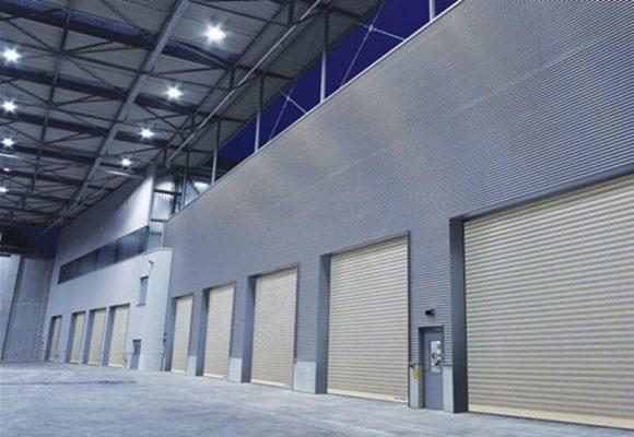 Cửa cuốn công nghiệp Austdoor có nhiều ưu điểm nổi bật