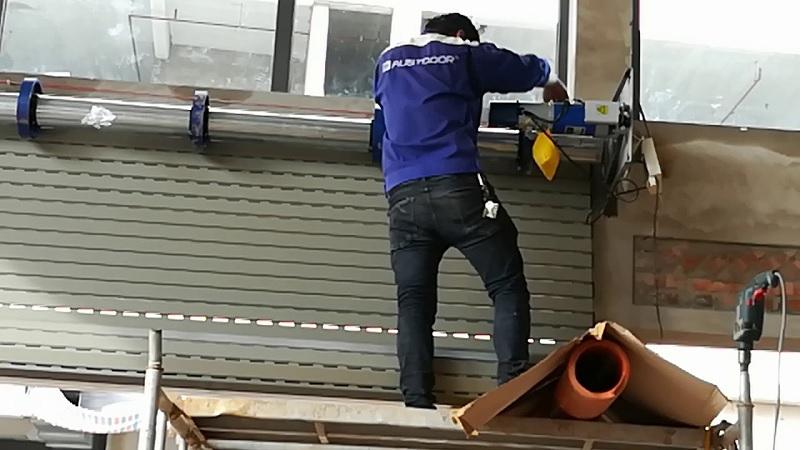 Austdoor đảm bảo sửa chữa mọi vấn đề, lỗi kỹ thuật cửa cuốn