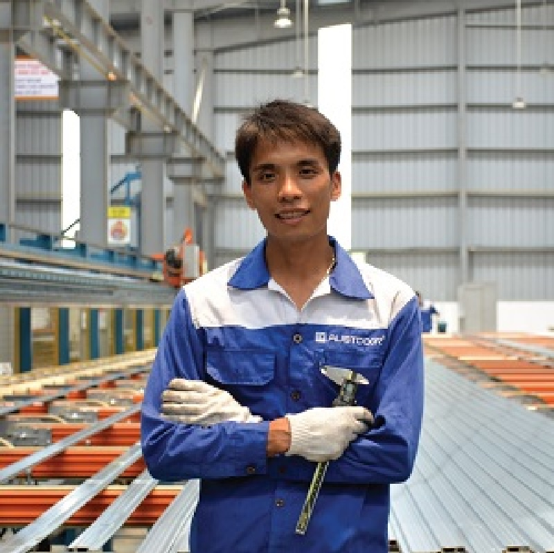 Nhân viên sửa chữa cửa cuốn của Austdoor lành nghề, có kỹ năng chuyên môn cao